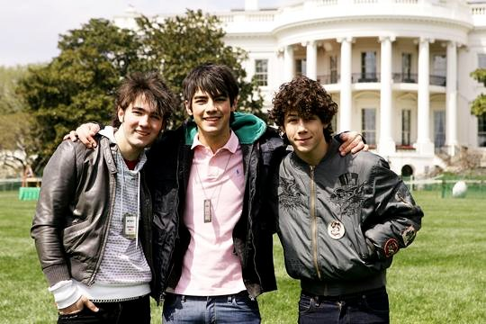 Jonas Brothers Pick 'Burnin' Up' as First Single