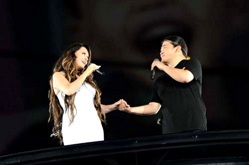 Video: Sarah Brightman and Liu Huan Performing Beijing Olympic Theme