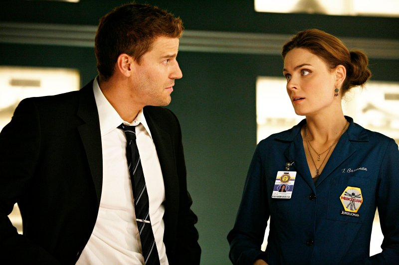 Two Previews of 'Bones' 4.05: Perfect Pieces in the Purple Pond