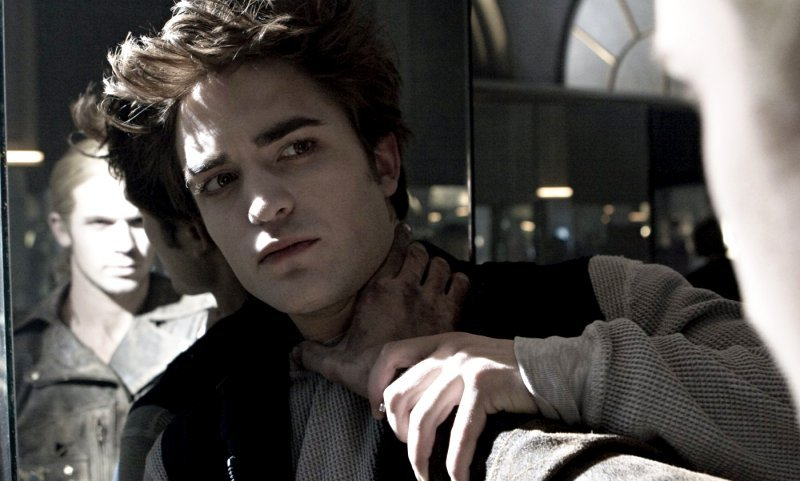 Two TV Spots of 'Twilight' Found
