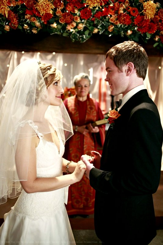 Three New Clips of 'Smallville' 8.10: Bride