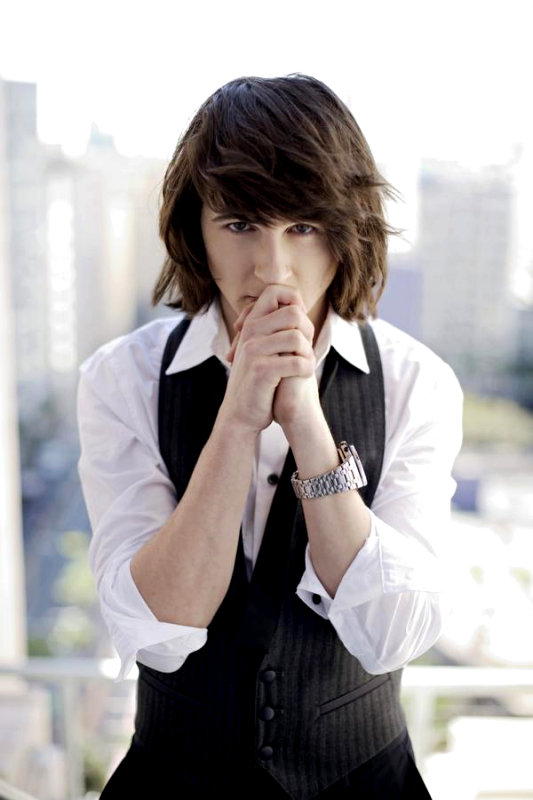Mitchel Musso's Music Video for Single 'Hey' Emerges