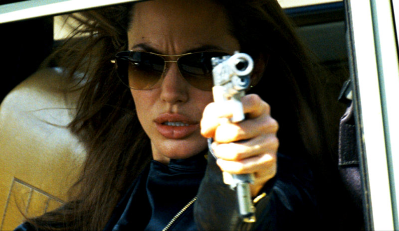 Angelina Jolie pulls out of Wanted sequel, sexy woman! thumbnail