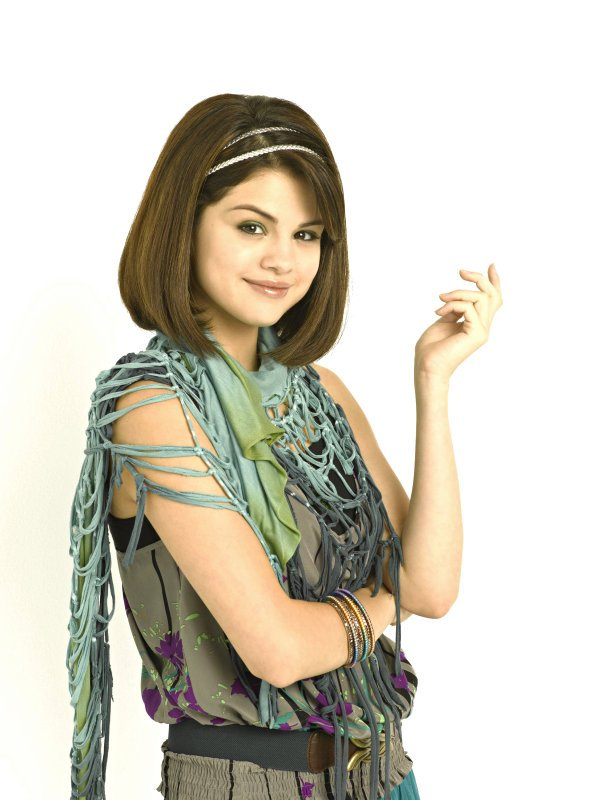 selena gomez wizards of waverly place clothes