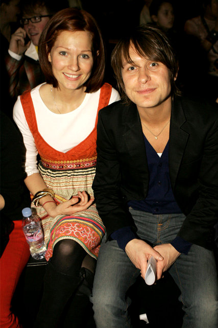 take that singer mark owen weds girlfriend emma ferguson. Black Bedroom Furniture Sets. Home Design Ideas