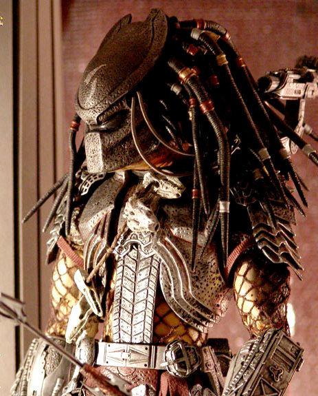On Set Pictures of 'Predators' Reveal the Aliens
