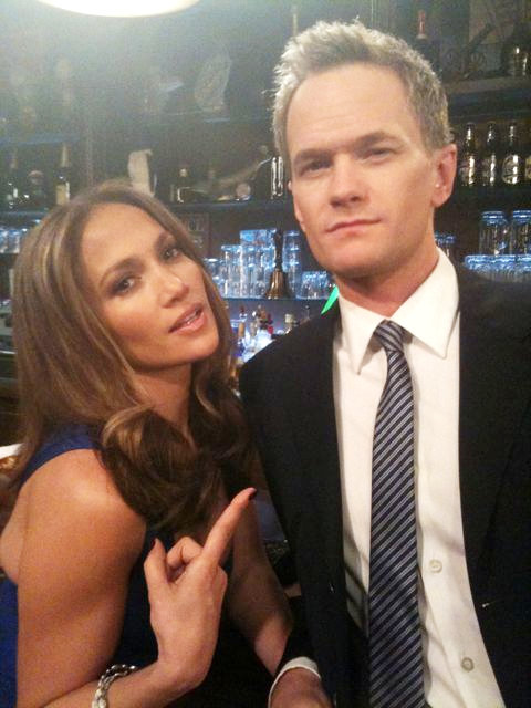 First Look: Jennifer Lopez on the Set of 'HIMYM'