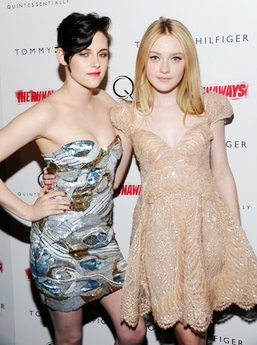 Dakota Fanning, Kristen Stewart Have Real Musicians at 'The Runaways' NY Premiere