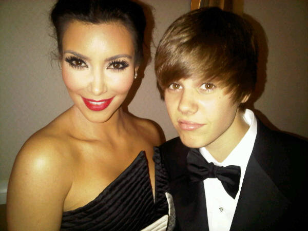 Justin Bieber Posted Picture With Kim Kardashian, Calling Her 'Girlfriend'