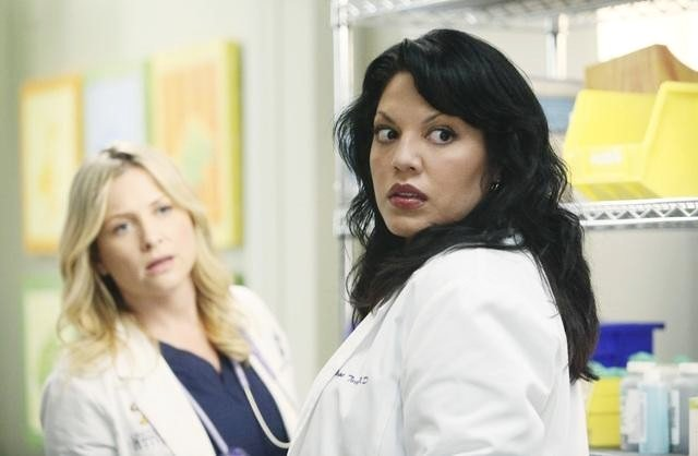 'Grey's Anatomy' Season Finale Previews: Shooter in the Hospital