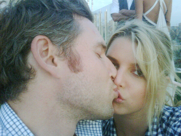 Jessica Simpson Tweets Pic of Herself Smooching Beau Eric Johnson