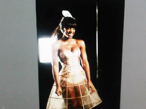 kelly rowland motivation video shoot. Kelly Rowland Releases Picture