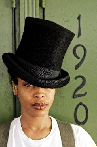 Erykah Badu Premieres Sequel to Controversial 'Window Seat' Music Video