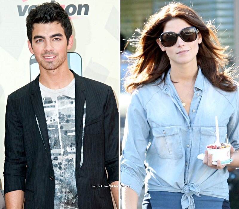 Joe Jonas 'Is Head Over Heels for' Ashley Greene