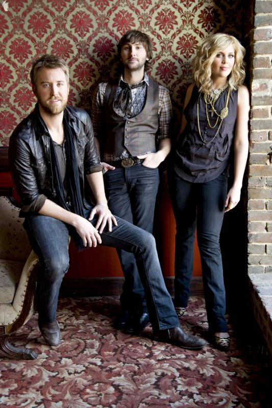 Video Premiere: Lady Antebellum's 'Hello World'