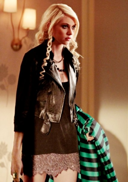 'Gossip Girl' Cuts Taylor Momsen's Airtime and Brings Someone New