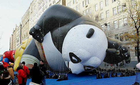 America Gets Ready for Macy's Thanksgiving Parade