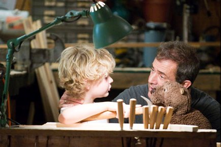 First 'The Beaver' Trailer Sees Depressed Mel Gibson