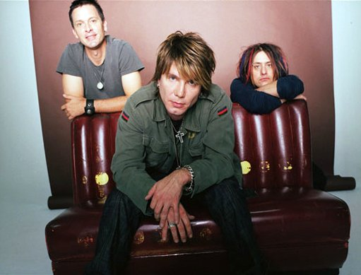 Video Premiere: Goo Goo Dolls' 'Notbroken'