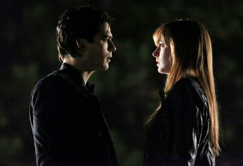 'Vampire Diaries' Reveals New Girl in Town