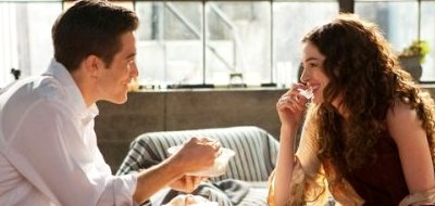 Jake Gyllenhaal stars as Jamie, Anne Hathaway stars as Maggie in 'Love and Other Drugs'