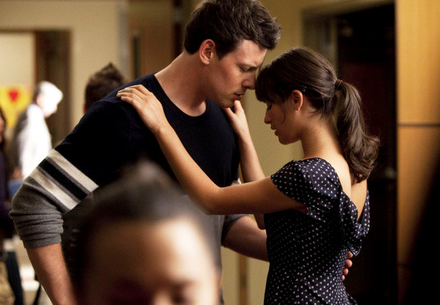 'Glee' 2.19 Preview: Rachel and Finn Spying on Kurt