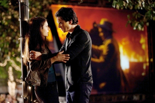'Vampire Diaries' 2.21 Preview: Will Elena Be Sacrificed?