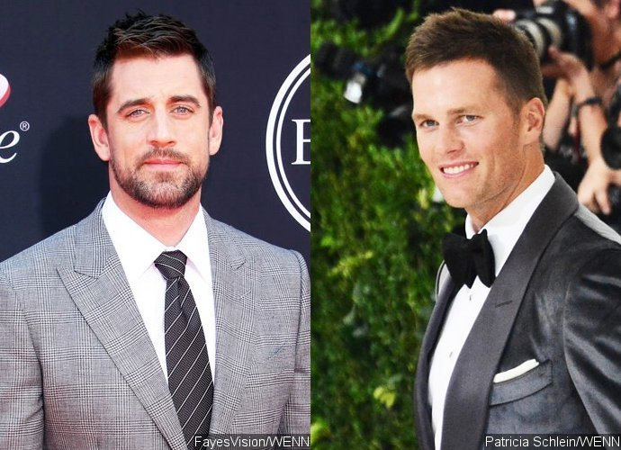 Aaron Rodgers, Tom Brady Show Support for NFL Players Amid National Anthem Protests
