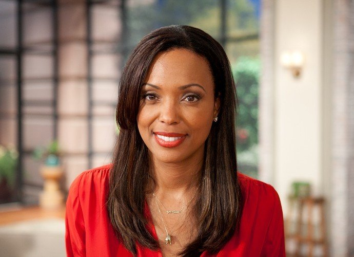 Aisha Tyler Departs 'The Talk' After Six Seasons - Watch Her Emotional Announcement