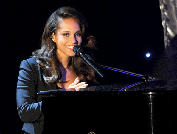 Alicia Keys Performing at PGA Awards 2012 to Help Honor Steven Spielberg