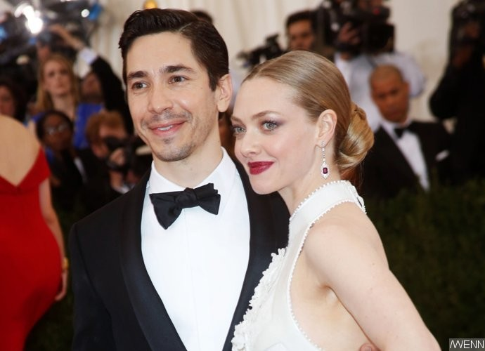 Amanda Seyfried's Nude and 'Intimate' Pics With Ex-Beau Justin Long Leak