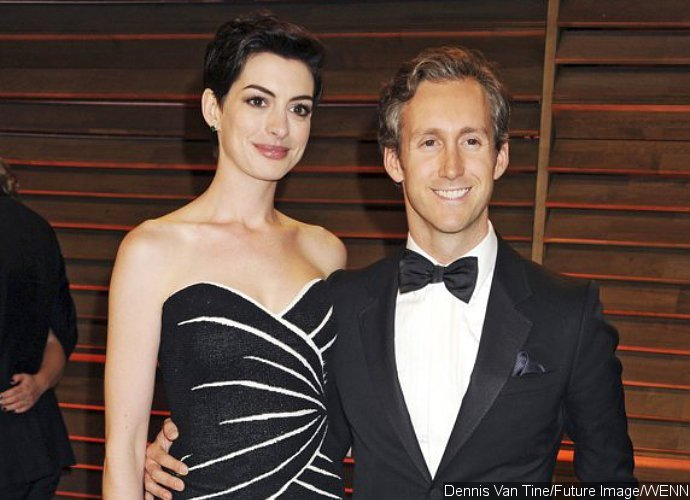 All Smiles! Anne Hathaway Steps Out With Hubby After Pregnancy News Breaks Out