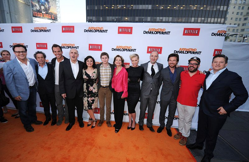 entertainment news 39 arrested development 39 cast has public reunion at season 4 premiere party. Black Bedroom Furniture Sets. Home Design Ideas