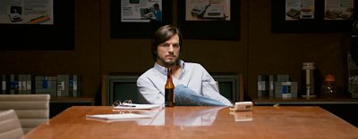 Ashton Kutcher Is Passionate Apple Innovator in First 'jOBS' Trailer
