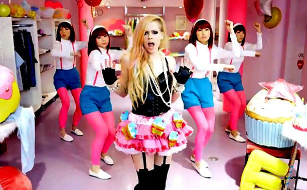 Avril Lavigne's 'Hello Kitty' Video Removed Amidst Racism Issues