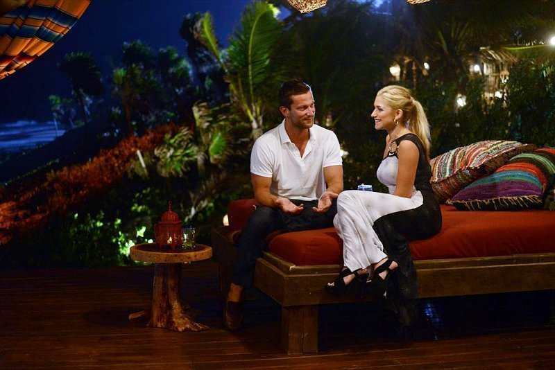 'Bachelor in Paradise' Recap: Injured Chris Leaves With Elise
