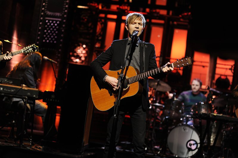 Beck Performs New Tracks Off 'Morning Phase' on 'Saturday Night Live'