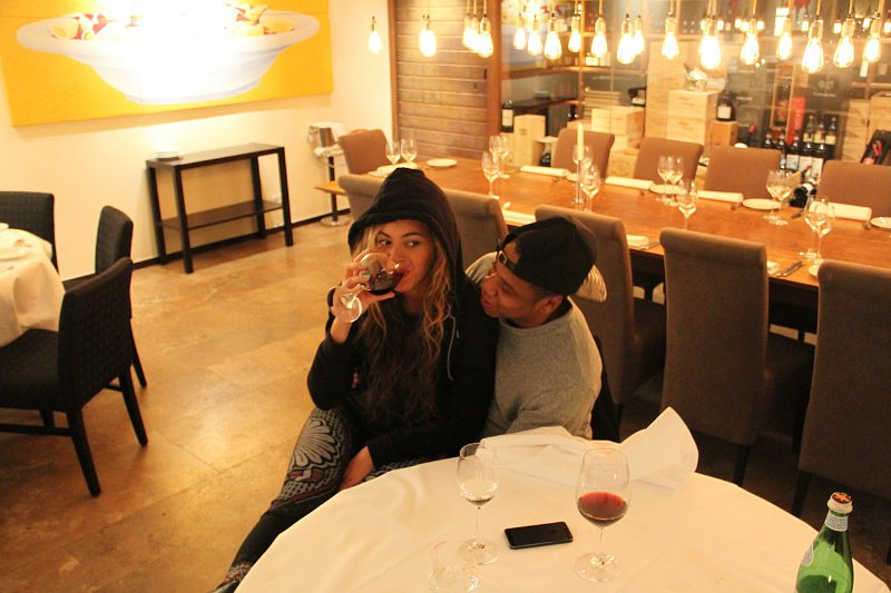 Beyonce Posts Picture of Her Sipping Wine With Jay-Z to Dismiss Pregnancy Rumor