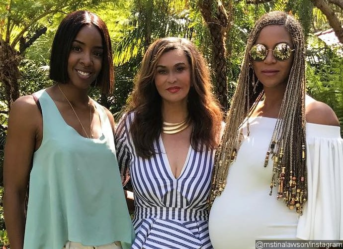 Beyonce Shows Off Baby Bump During Easter Celebration With Mom Tina and Kelly Rowland