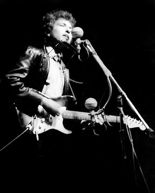 Bob Dylan's Newport Folk Festival Guitar Found by 'History Detectives'