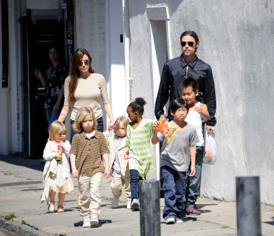 Brad Pitt and Angelina Jolie Take Their Kids to Caribbean Island for Christmas Holiday