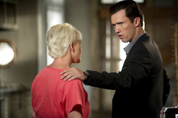 'Burn Notice' 5.02 Preview: Michael's Most Personal Mission