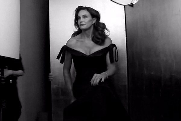 Caitlyn Jenner Gains Support From Family and Celebs Following Her Vanity Fair Debut