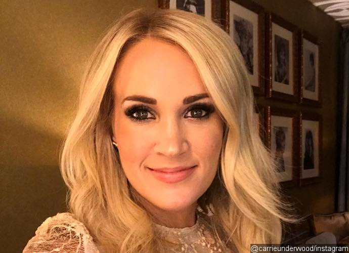 Carrie Underwood Shares First Selfie After Facial Injuries - How Does She Look Now?