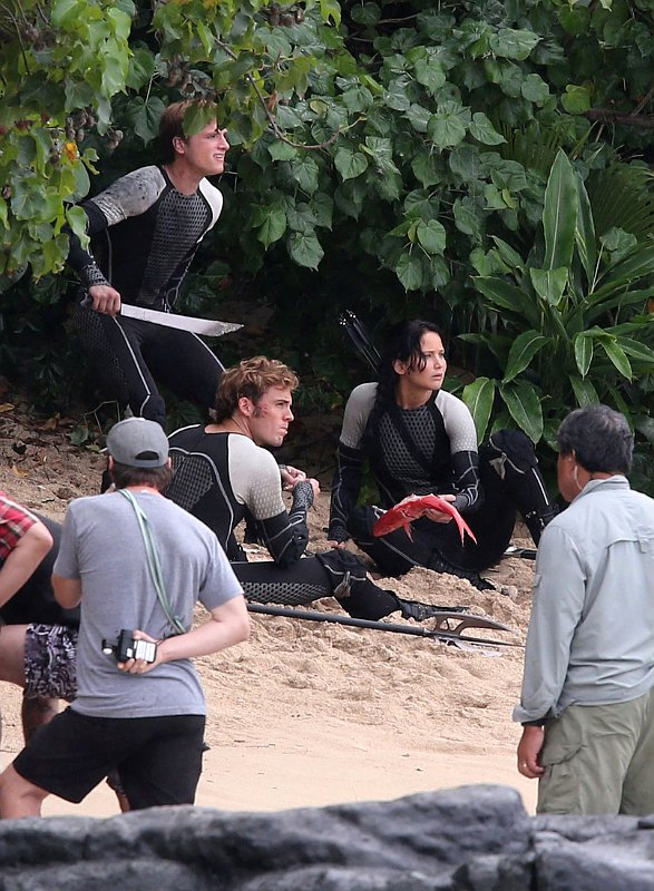 New 'Catching Fire' Set Photo Sees Katniss Enjoying Some ...