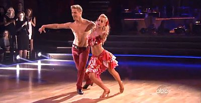 'Dancing with the Stars' Latin Night Recap: Kellie Pickler Scores Immunity