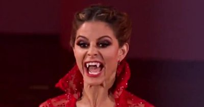 'Dancing with the Stars': Maria Menounos Shows Fangs, Gets First Perfect Score
