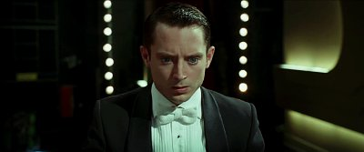 Elijah Wood Plays Under Deadly Threat in 'Grand Piano' Trailer