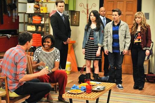 Video and Pic: First Look at Michelle Obama on 'iCarly'