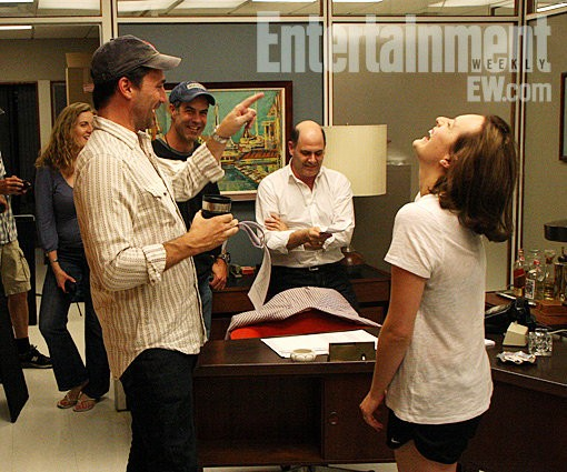 First Set Picture From 'Mad Men' Season 5 With Jon Hamm and Elisabeth Moss